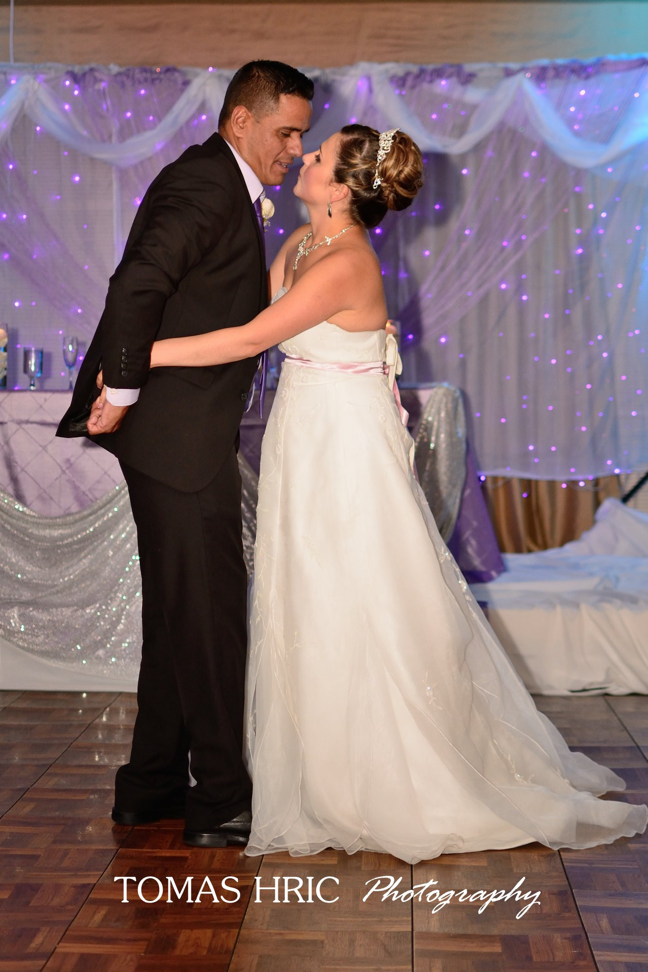 bride and groom dancing at reception best wedding photographer northern virginia dc md