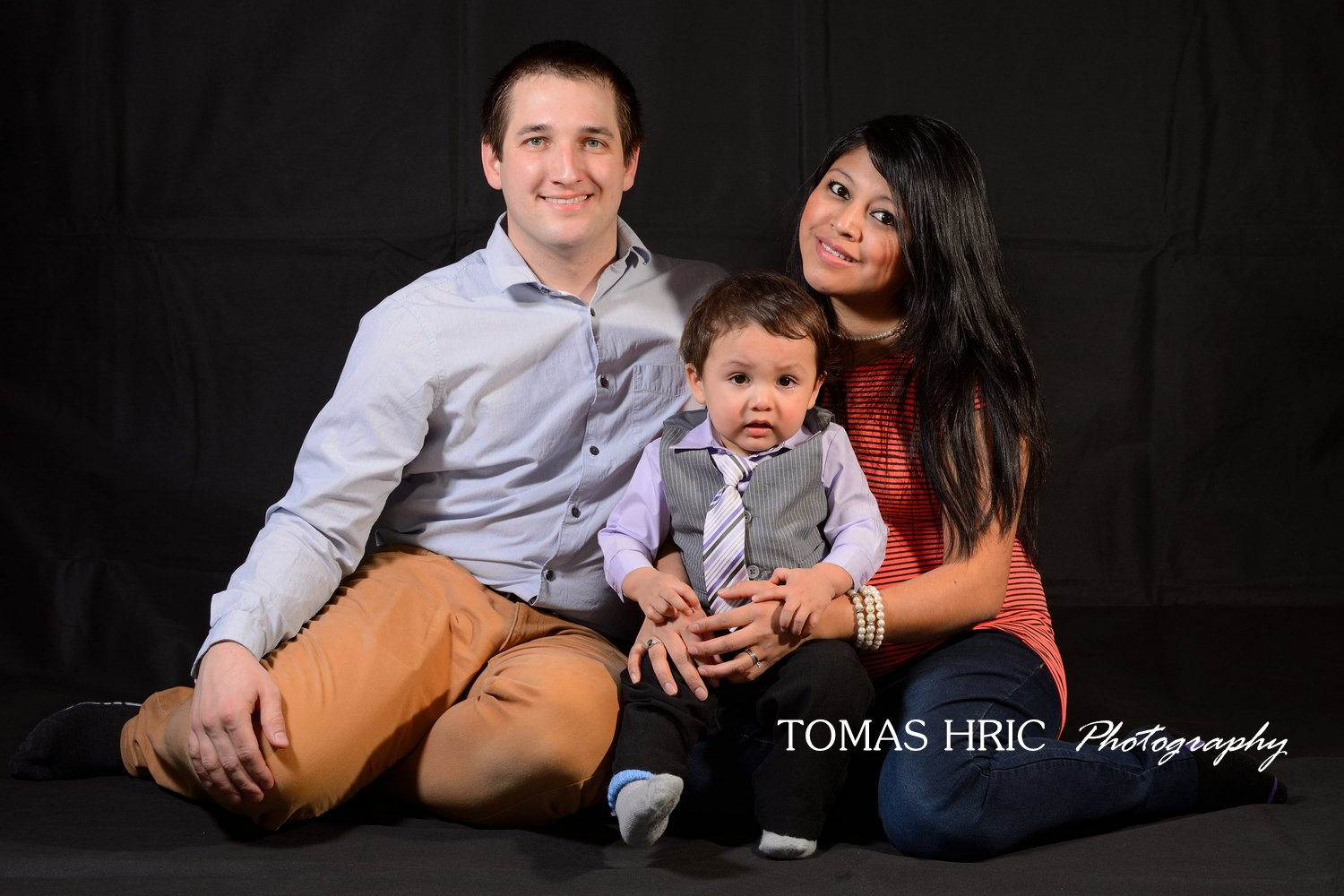 Family portrait with 1 year old baby boy northern virginia fairfax county photographer tomas hric photography